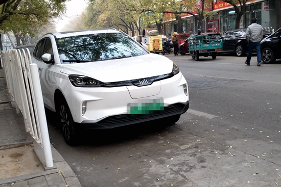 出行方式很重要 开新能源汽车回家需谨慎