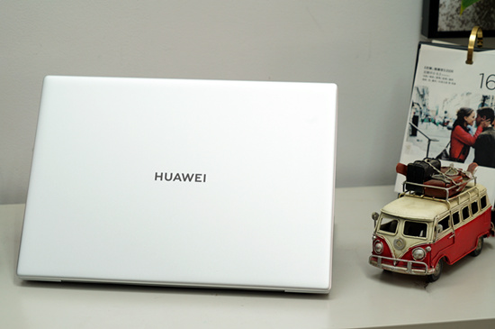 新款HUAWEI MateBook X Pro上手体验:颜值与性能的完美融合