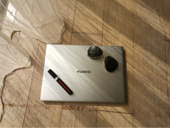 HUAWEI MateBook X Pro高颜值赏析£º柔顺丝滑  轻薄至简