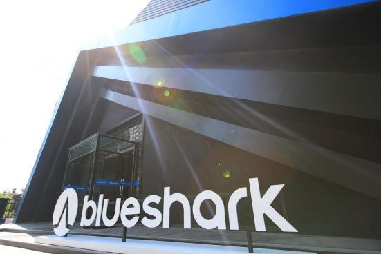 藍鯊Robor智能電動摩托車正式發布,續航里程達160km,定價9988元
