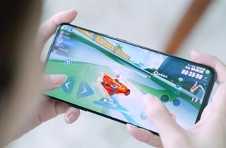 一加携QQ飞车开启全国挑战赛 90Hz流体屏引领高帧游戏新体验