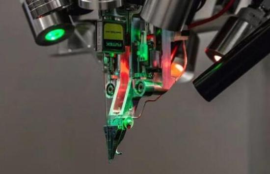 馬斯克公布的腦機接口系統有多強?芯片直連大腦、通過USB接口讀取信息