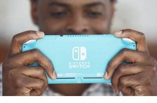 Switch Lite发售前夕 任天堂股价达到今年最高水平