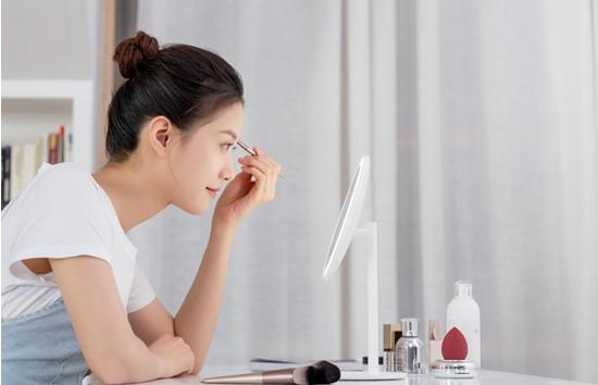 小米发布新品米家LED化妆镜,Ra92高显色、三挡亮度可调