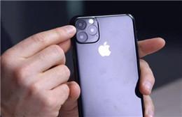 "iPhone 11""机模""上手视频曝光 正面将延续刘海屏设计"