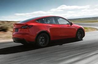 马斯克:7座版Model Y将于11月投产,12月初开始正式交付