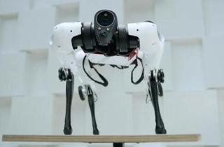 腾讯发布首个全自研机器狗Max 采用足轮融合一体式设计